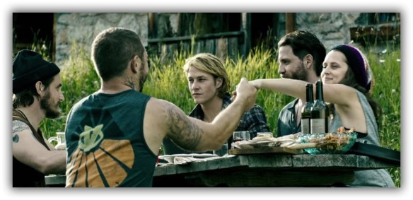 Point-Break-Remake-Gets-First-Trailer-and-Fans-Are-Very-Unhappy-About-It-Video-482492-2